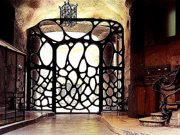 Gaudi Designer Palacio G 252 Ell Gt Cabinet Work
